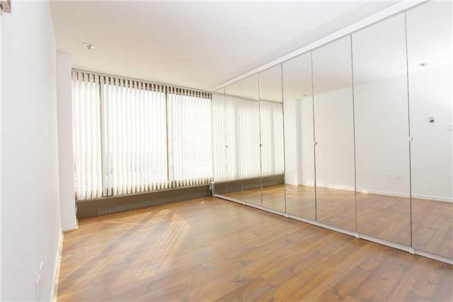 Condo Apartment at 2045 Lake Shore Blvd W, Unit 2307, Toronto, Ontario. Image 8