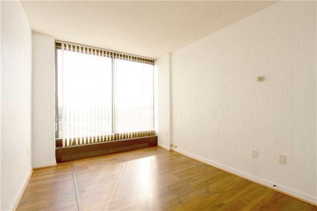Condo Apartment at 2045 Lake Shore Blvd W, Unit 2307, Toronto, Ontario. Image 11
