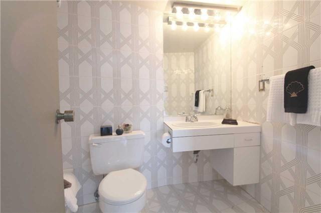 Condo Apartment at 2045 Lake Shore Blvd W, Unit 2307, Toronto, Ontario. Image 13