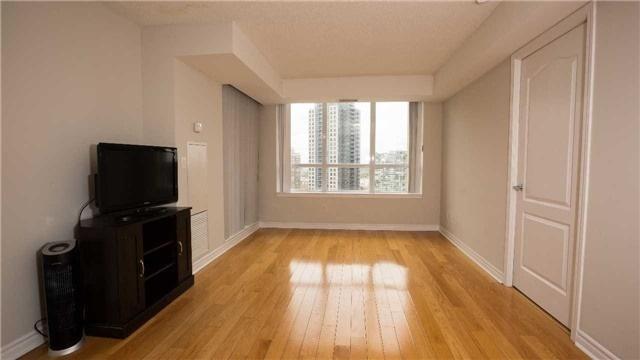 Condo Apartment at 4080 Living Arts Dr, Unit 1801, Mississauga, Ontario. Image 14
