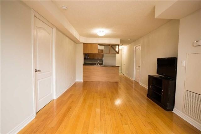 Condo Apartment at 4080 Living Arts Dr, Unit 1801, Mississauga, Ontario. Image 15