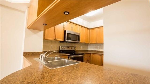 Condo Apartment at 4080 Living Arts Dr, Unit 1801, Mississauga, Ontario. Image 16