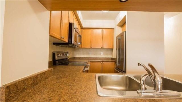 Condo Apartment at 4080 Living Arts Dr, Unit 1801, Mississauga, Ontario. Image 17