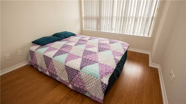 Condo Apartment at 4080 Living Arts Dr, Unit 1801, Mississauga, Ontario. Image 2
