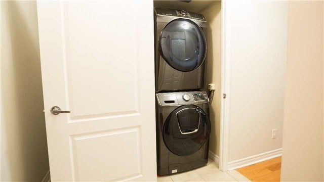 Condo Apartment at 4080 Living Arts Dr, Unit 1801, Mississauga, Ontario. Image 5