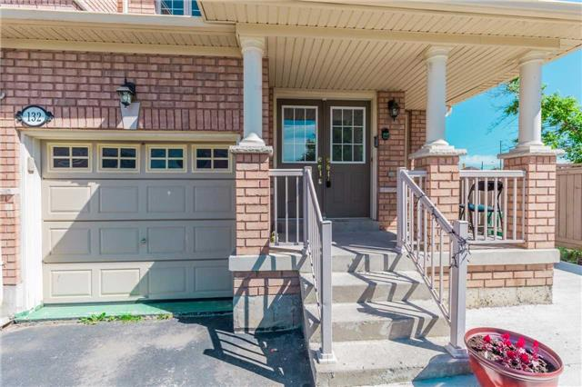 Townhouse at 132 Rockgarden Tr, Brampton, Ontario. Image 12