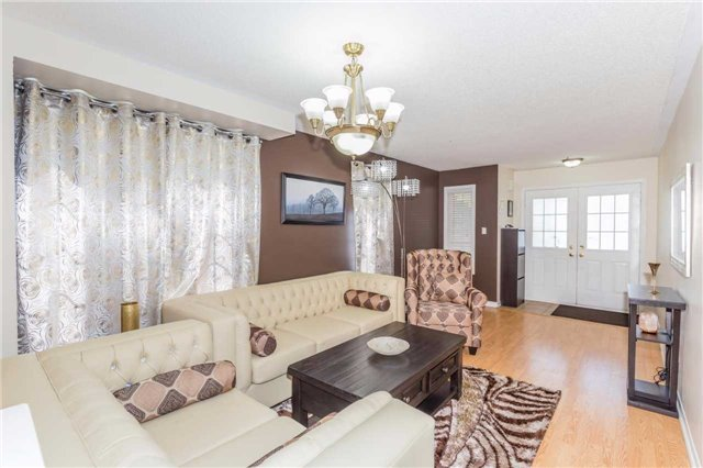 Townhouse at 132 Rockgarden Tr, Brampton, Ontario. Image 14