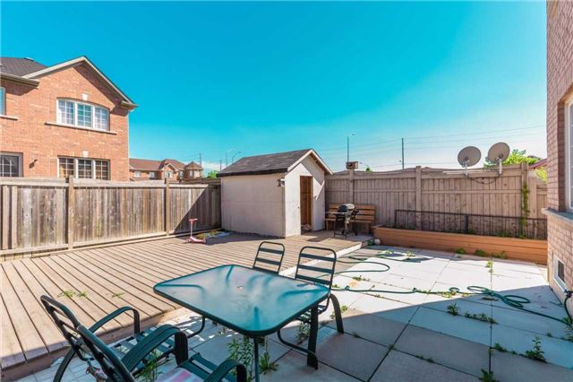 Townhouse at 132 Rockgarden Tr, Brampton, Ontario. Image 10