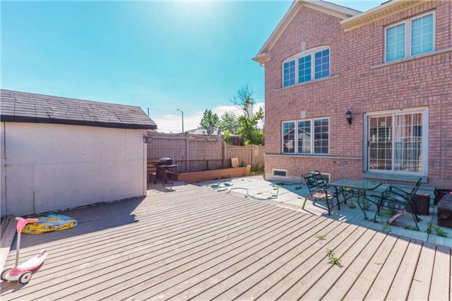 Townhouse at 132 Rockgarden Tr, Brampton, Ontario. Image 11