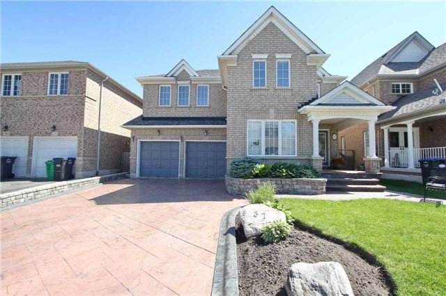 Detached at 37 Waterdale Rd, Brampton, Ontario. Image 1