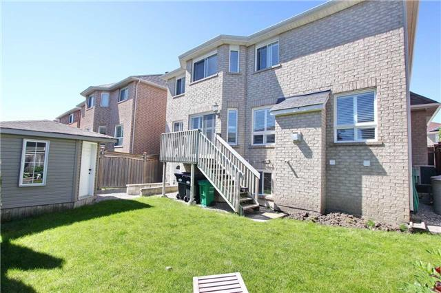 Detached at 37 Waterdale Rd, Brampton, Ontario. Image 13