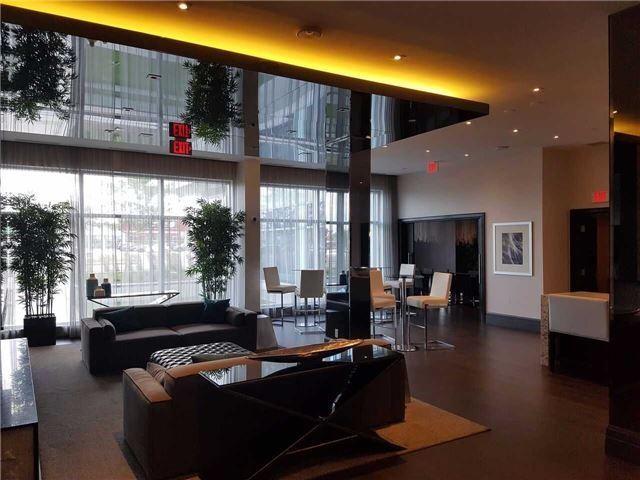 Condo Apartment at 55 Speers Rd, Unit 305, Oakville, Ontario. Image 4