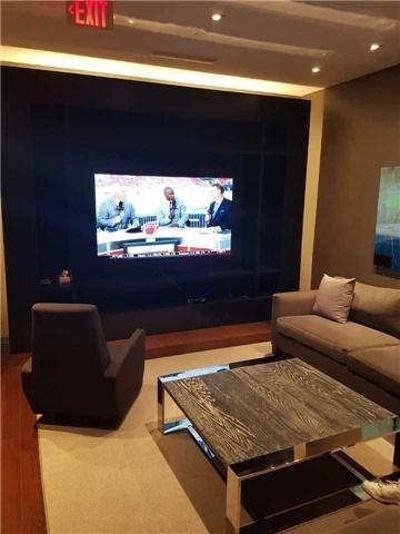 Condo Apartment at 55 Speers Rd, Unit 305, Oakville, Ontario. Image 2