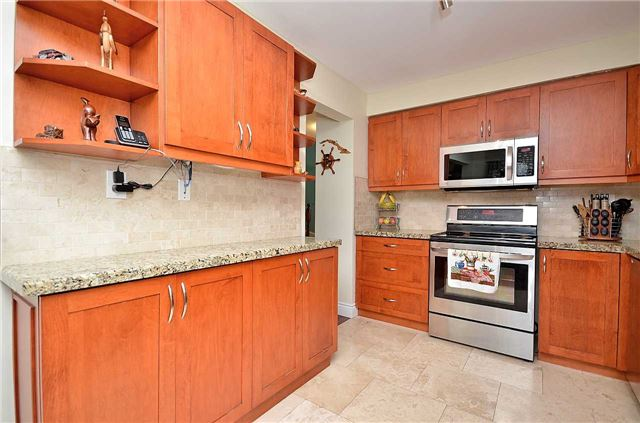 Link at 1378 Hazel Mccleary Dr, Oakville, Ontario. Image 2
