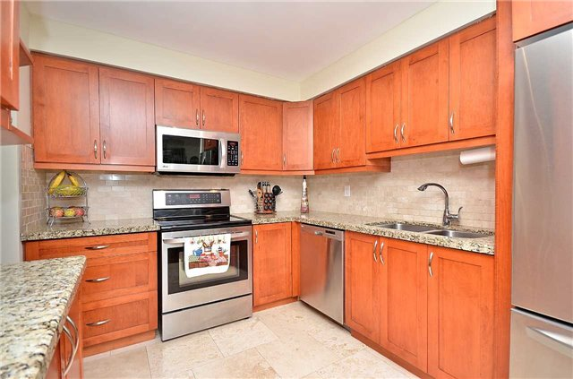Link at 1378 Hazel Mccleary Dr, Oakville, Ontario. Image 3