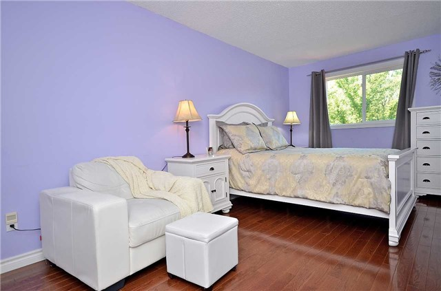 Link at 1378 Hazel Mccleary Dr, Oakville, Ontario. Image 4