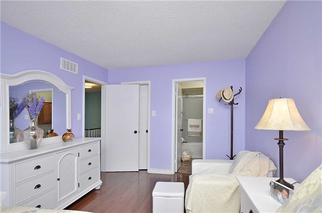 Link at 1378 Hazel Mccleary Dr, Oakville, Ontario. Image 5