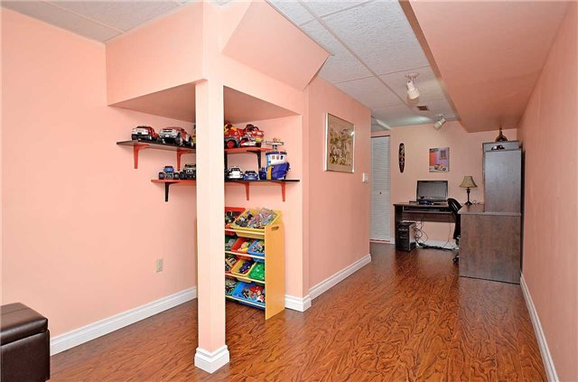 Link at 1378 Hazel Mccleary Dr, Oakville, Ontario. Image 10
