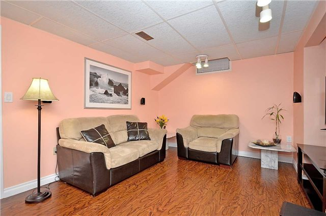 Link at 1378 Hazel Mccleary Dr, Oakville, Ontario. Image 11