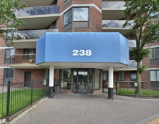 Condo Apartment at 238 Albion Rd, Unit #1505, Toronto, Ontario. Image 9