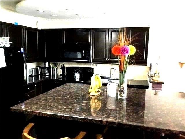 Condo Apartment at 2121 Roche Crt, Unit 120, Mississauga, Ontario. Image 3