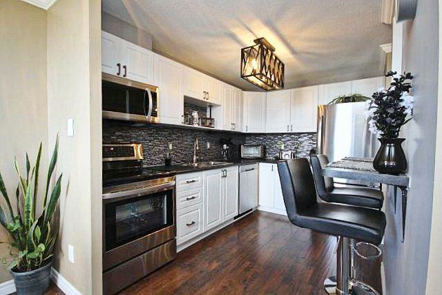 Condo Apartment at 81 Millside Dr, Unit Ph 1, Milton, Ontario. Image 15