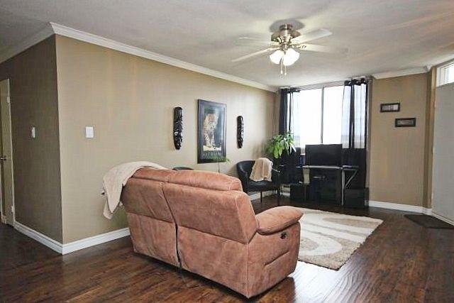 Condo Apartment at 81 Millside Dr, Unit Ph 1, Milton, Ontario. Image 20