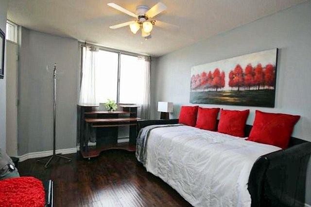 Condo Apartment at 81 Millside Dr, Unit Ph 1, Milton, Ontario. Image 6