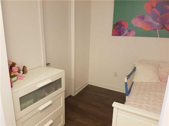 Condo Apartment at 2560 Eglinton Ave W, Unit 1006, Mississauga, Ontario. Image 18