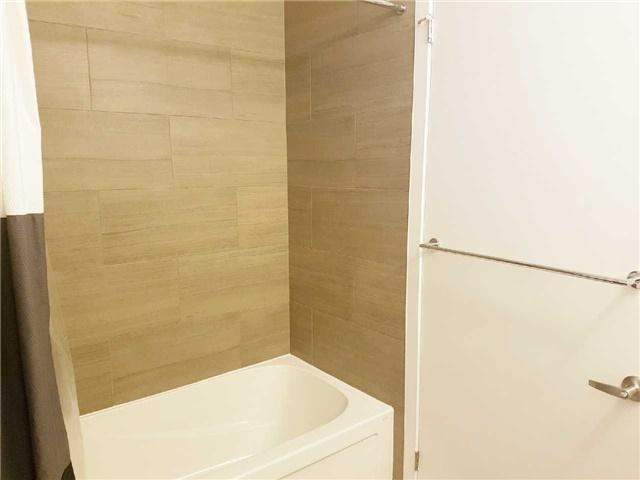 Condo Apartment at 2560 Eglinton Ave W, Unit 1006, Mississauga, Ontario. Image 2
