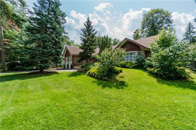 Detached at 1336 Queen Victoria Ave, Mississauga, Ontario. Image 1
