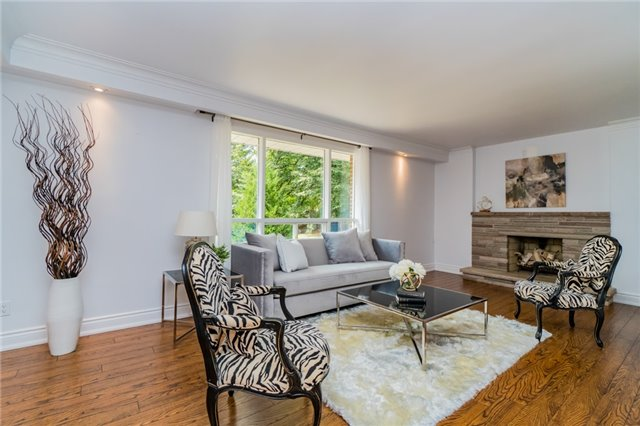 Detached at 1336 Queen Victoria Ave, Mississauga, Ontario. Image 14