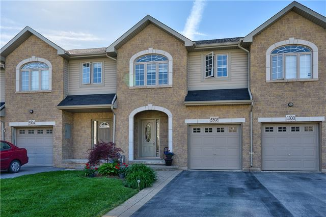 Townhouse at 5302 Scotia St, Burlington, Ontario. Image 1