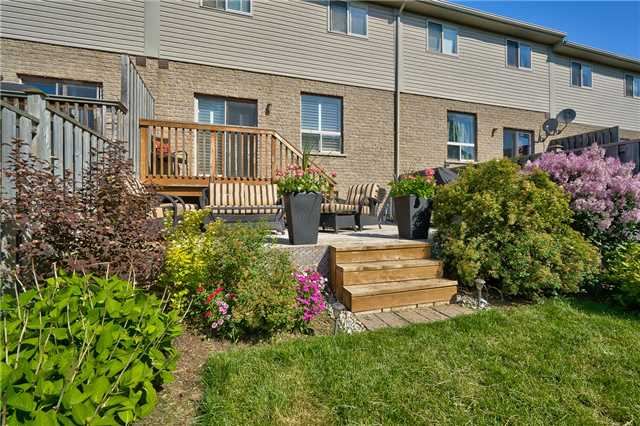 Townhouse at 5302 Scotia St, Burlington, Ontario. Image 11