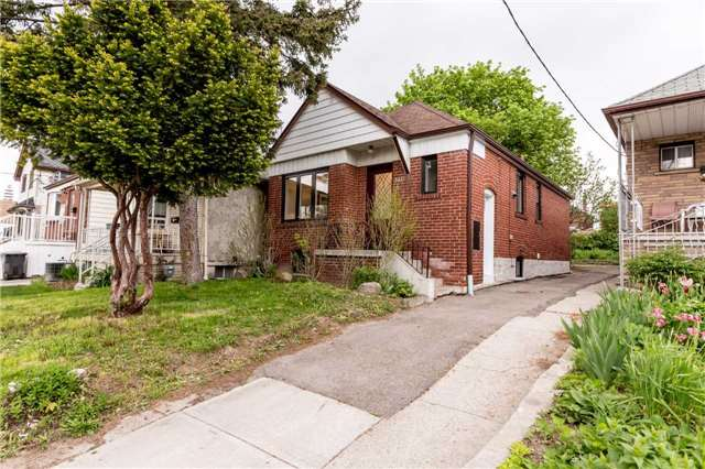 Detached at 584 Ridelle Ave, Toronto, Ontario. Image 1