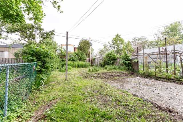 Detached at 584 Ridelle Ave, Toronto, Ontario. Image 11