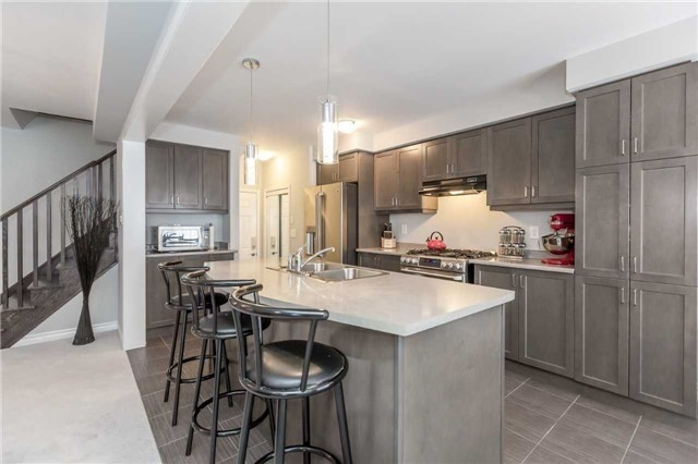 Detached at 70 Enford Cres, Brampton, Ontario. Image 2