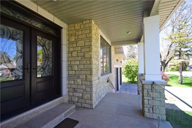 Detached at 2038 Pear Tree Dr, Mississauga, Ontario. Image 12