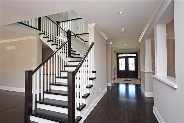 Detached at 2038 Pear Tree Dr, Mississauga, Ontario. Image 15