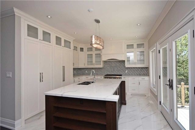 Detached at 2038 Pear Tree Dr, Mississauga, Ontario. Image 18