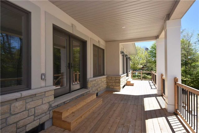 Detached at 2038 Pear Tree Dr, Mississauga, Ontario. Image 13