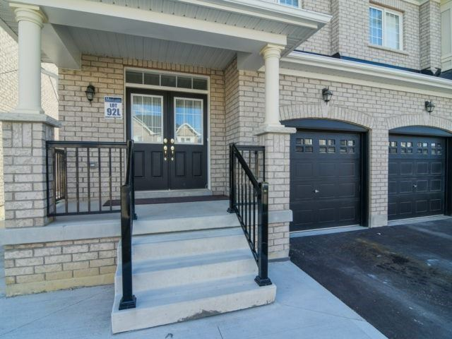 Semi-detached at 19 Gower Cres, Brampton, Ontario. Image 9