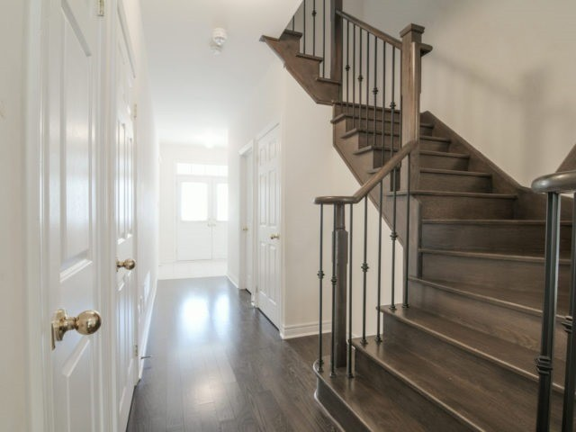 Semi-detached at 19 Gower Cres, Brampton, Ontario. Image 10