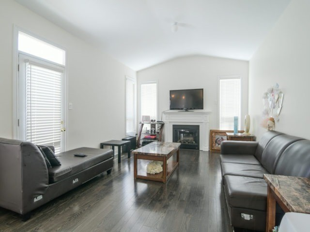 Semi-detached at 19 Gower Cres, Brampton, Ontario. Image 14