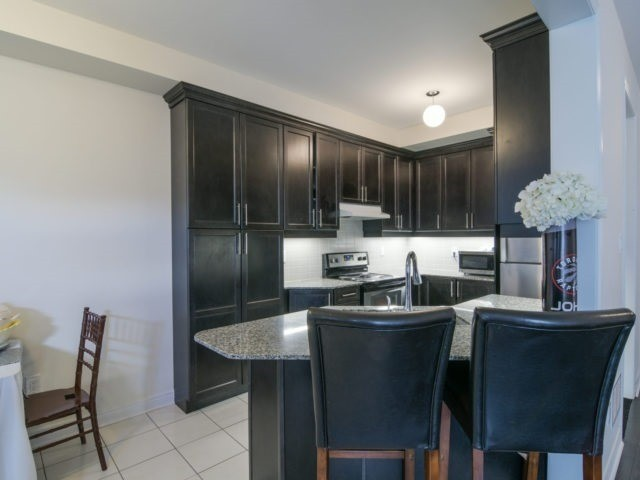 Semi-detached at 19 Gower Cres, Brampton, Ontario. Image 2