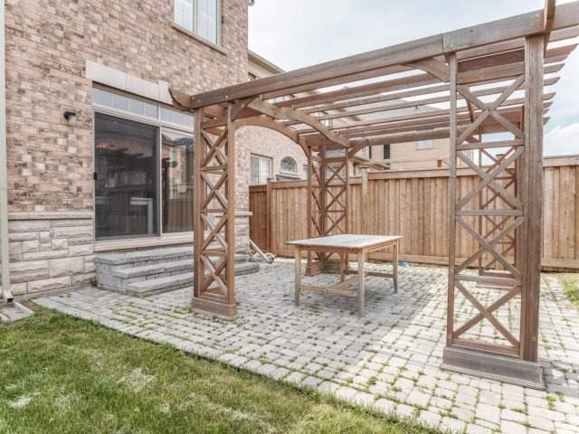 Detached at 4 Crocus St, Brampton, Ontario. Image 10