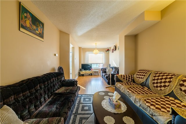 Townhouse at 134 Cutters Cres, Brampton, Ontario. Image 12