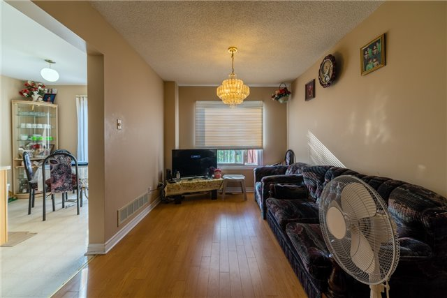 Townhouse at 134 Cutters Cres, Brampton, Ontario. Image 14