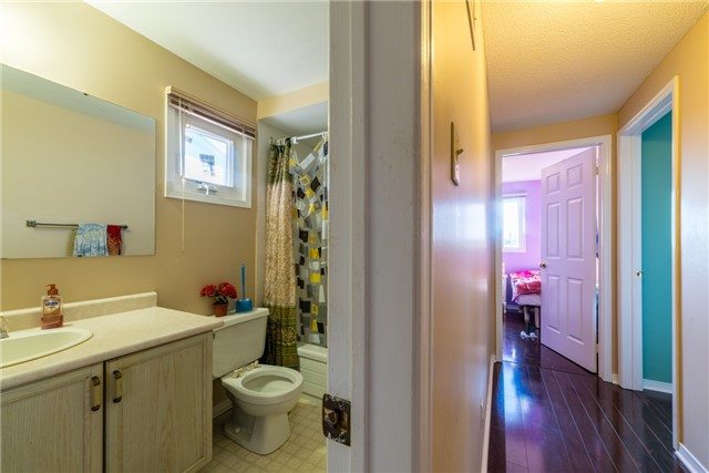 Townhouse at 134 Cutters Cres, Brampton, Ontario. Image 5