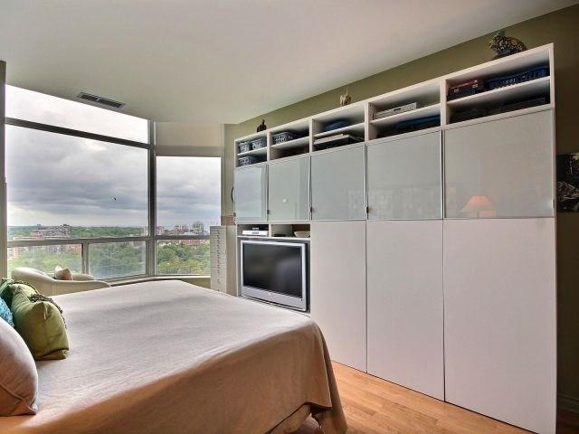 Condo Apartment at 1276 Maple Crossing Blvd, Unit Ph 6, Burlington, Ontario. Image 2
